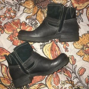 Earth Origins Leather and Suede ankle boots